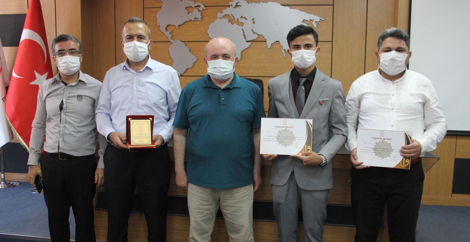 """'Genç Sada"""" Kur'an-ı Kerim'i Güzel Okuma Yarışması' Ödül Töreni"""