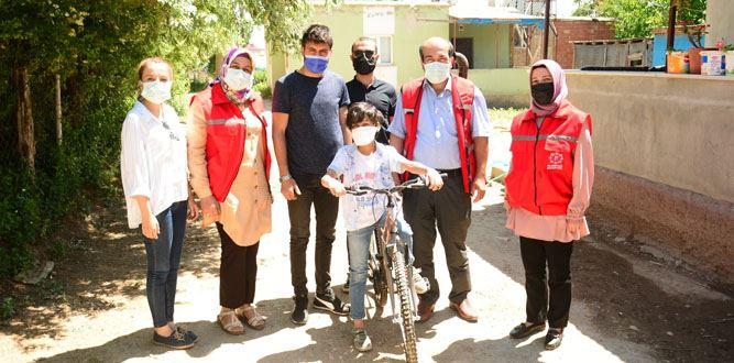 Amansız Hastalığı YENDİ Bisiklete BİNDİ