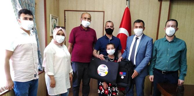 """Yahya Kemal İlkokulu Şiirde  de Bir""""inci"""""""