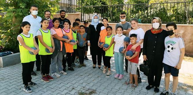 Gül Çitil Okur, Muhsin Yazıcıoğlu Ortaokulunu Ziyaret Etti.
