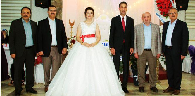 Dillere Destan Bir Düğün Oldu